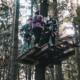 Schüler im Kletterwald